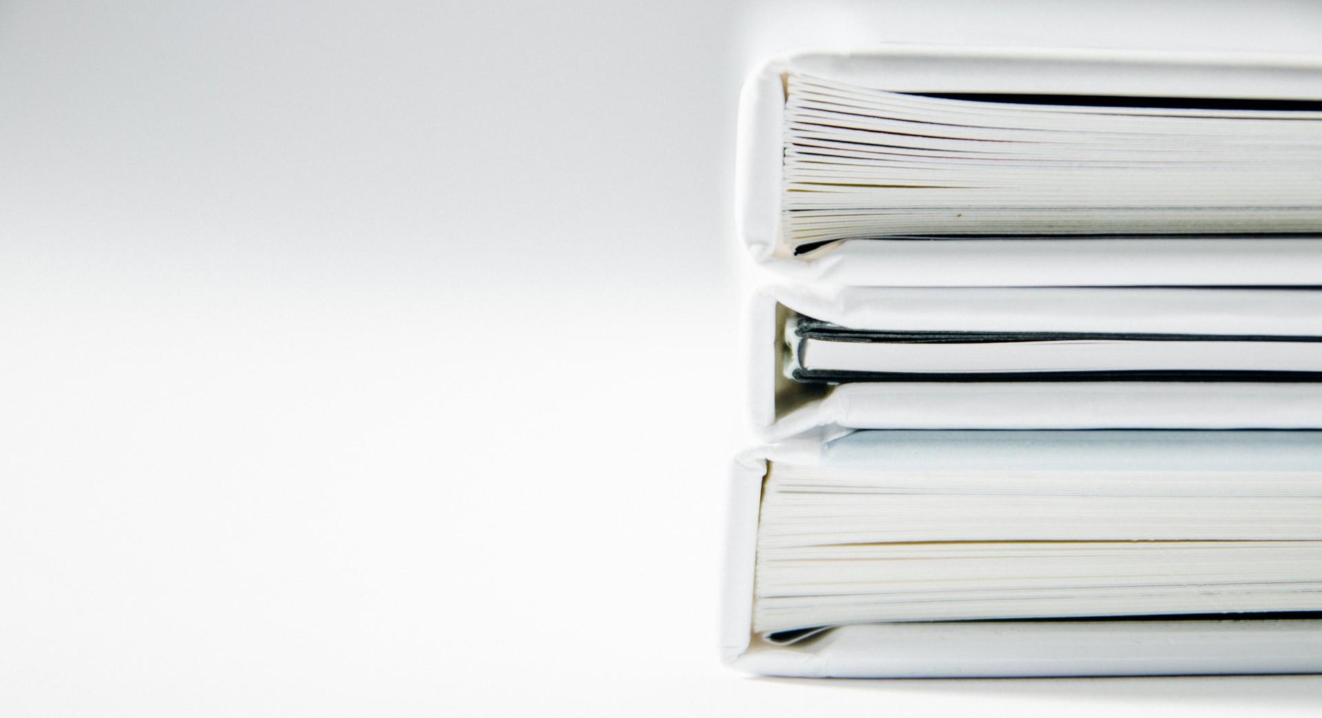 documentos organizados em fichario